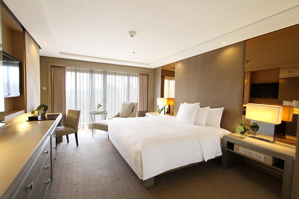 Executive-1-bedroom-suite-bedroom